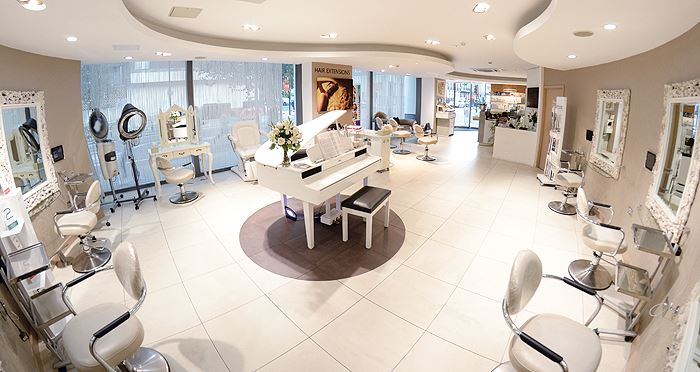 Top 5 london salons to get you lfw ready book your for Best hair salon london