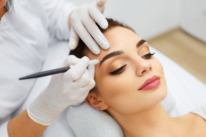 Best London Eyebrow Shaping Treatments – Book Your